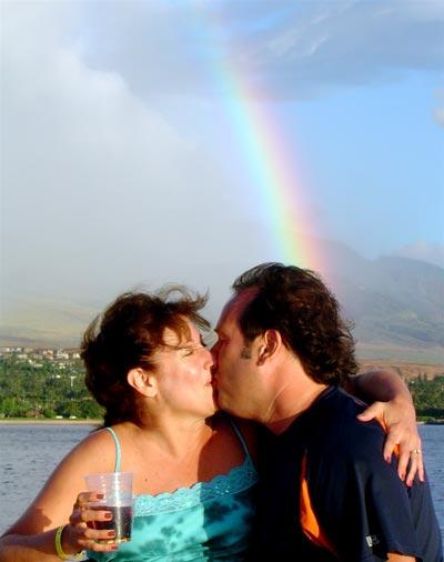 Kiss_under_a_rainbow