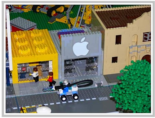 iPhone Savior: Lego City Features Apple Store At Maker Faire