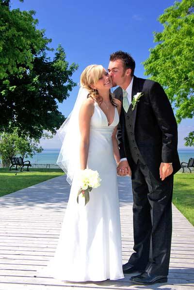 Boardwalk Wedding Kiss