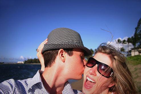 Kiss_along_the_shore