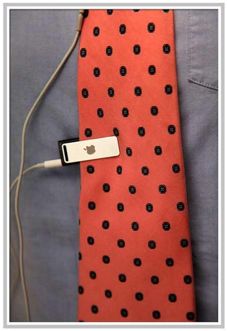 iPhone Savior: iPod Shuffle Tie Clip Makes Perfect Geek-Ware
