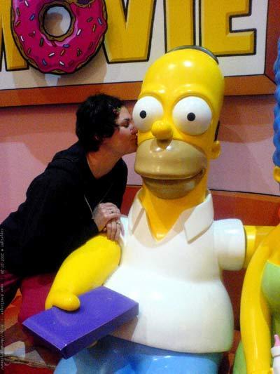 Rachel_kissing_homer_simpso