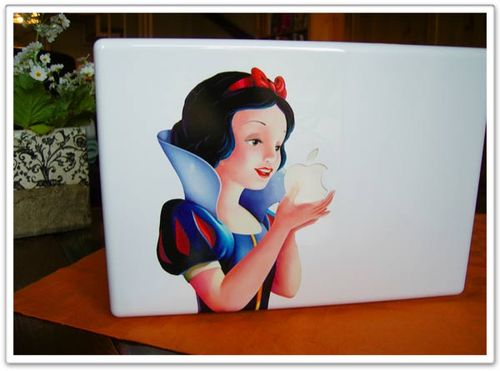Snow_white_macbook
