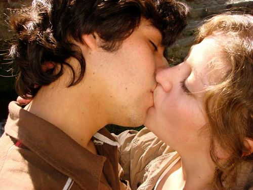 Kissing_The_Afternoo_Away