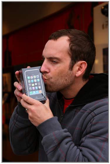 Zeke_iphone_3GS_2