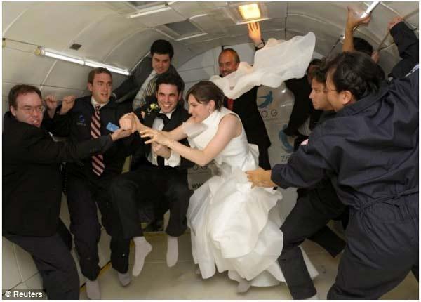 Zero_gravity_wedding