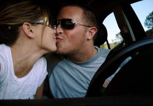 Car_kisses