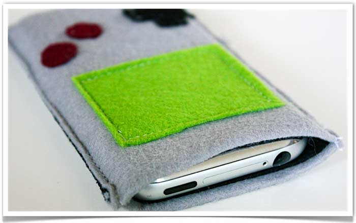 Game_boy_iphone_pouch