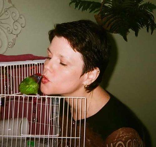 Birdie_kisses