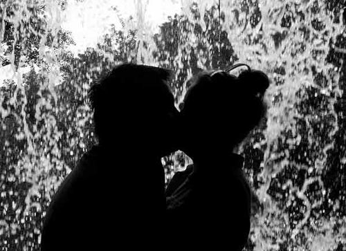 Waterfall_kiss-