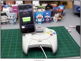 Iphone_dock_sega_dreamcast