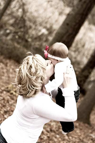 Baby_kisses
