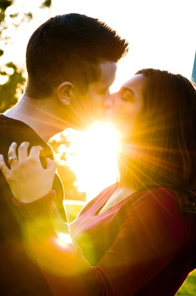 Engagement_kiss