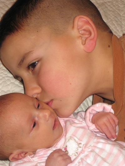 Kisses_for_a_little_sister