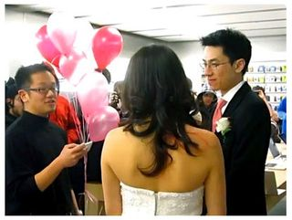 Apple_store_wedding