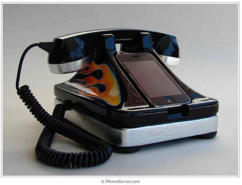 iPhone Savior: iRetrofone iPhone Dock Gets Classic Hot Rod Mod
