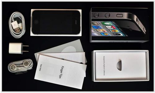IPhone_4_Unboxed