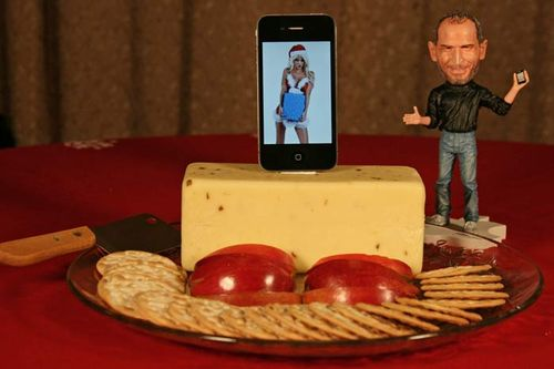 IPhone_4_Cheese_Dock