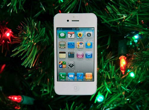 White_iPhone_4_Christmas_Ornament