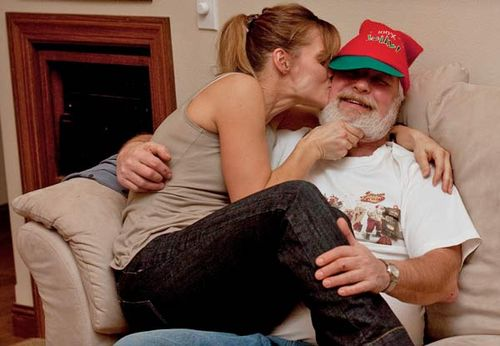 I_Caught_Mommy_Kissing_Santa_Claus
