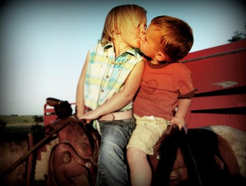 First_kiss_at_the_fair