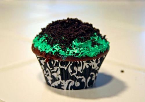 DIY_Zombie_Cupcakes_step4