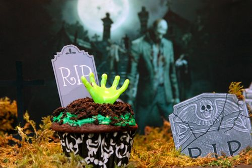 Zombie_Cupcake_Shoebox_art