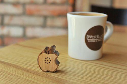 Mini_Wooden_Apple_iPhone_speaker
