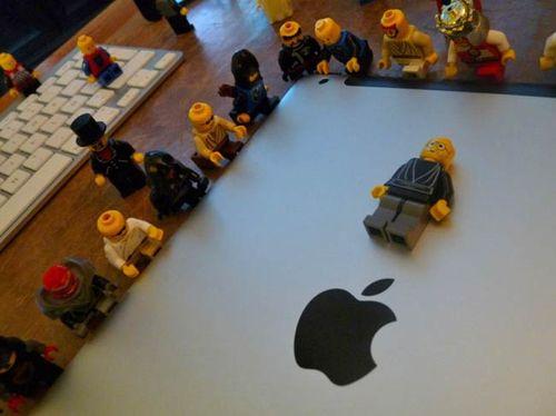 Funeral_Lego_Steve_Jobs
