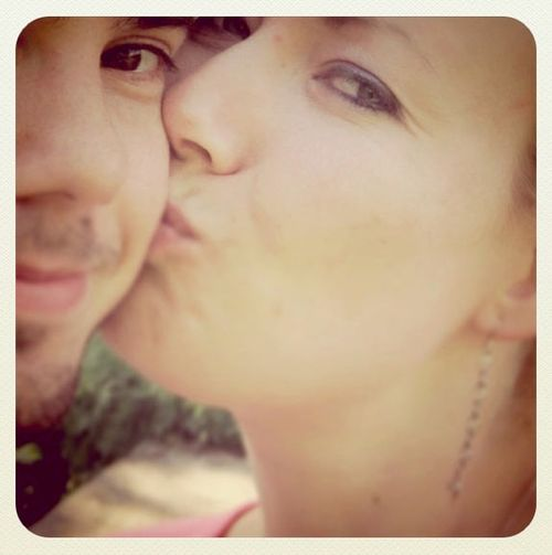 Sweet_Cheek_Kiss
