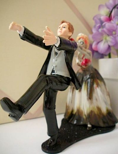 Zombie_Wedding_Cake_Topper