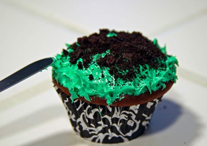 DIY_Zombie_Cupcakes_step5