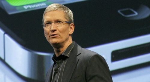 Apple_ceo_tim_cook_iphone_5