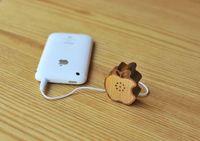 Mini_Wooden_Apple_logo_speaker