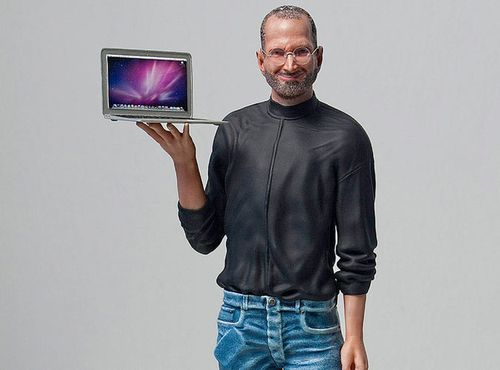 Steve_Jobs_Figure_MacBook