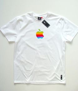 Apple_iWear_rainbow_logo_shirt