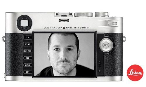 Jonathan_Ive_Leica_camera
