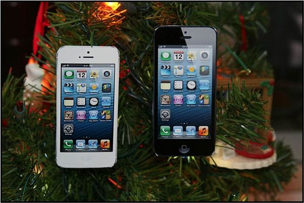 IPhone Savior: DIY IPhone 5 And IPad Mini Christmas Ornaments