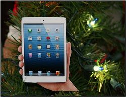 IPad_Mini_Christmas_Ornament