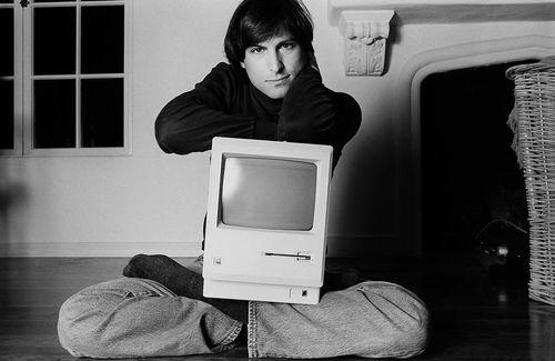 Steve_Jobs_1984_by_Norman_Seeff