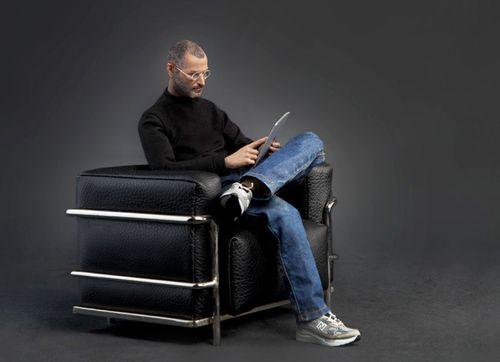 Steve_Jobs_Action_Figure_2013