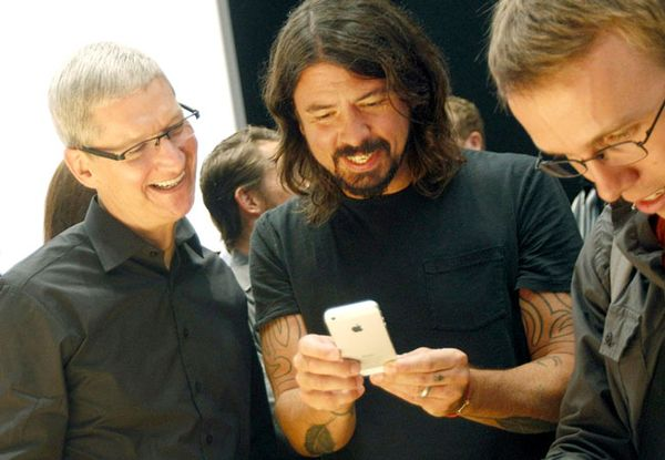Apple Begins New iPhone Production This Quarter